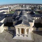 Vue aérienne entrée du château de Versailles en Ile de France