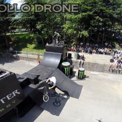 Acrobaties de velo photographiés par drone
