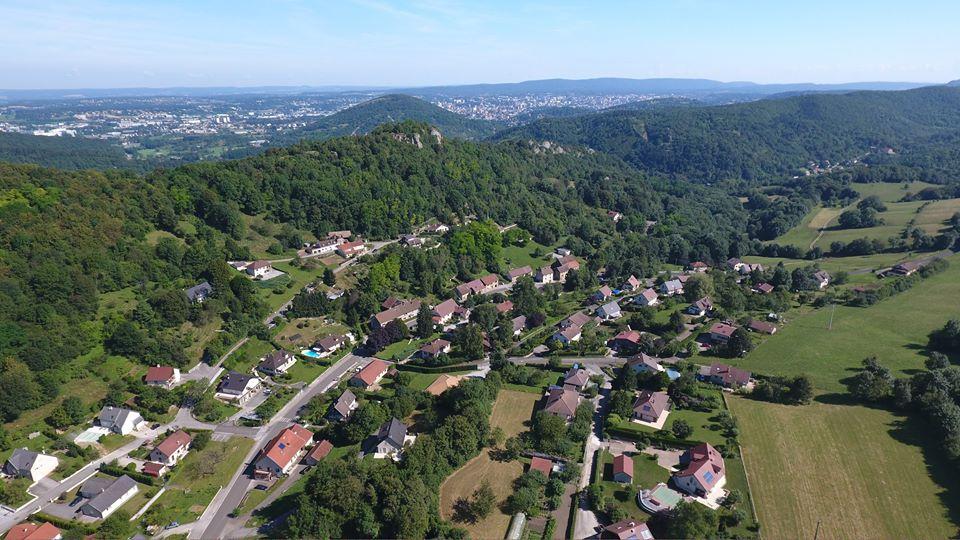 Photo d'Arguel en vue aérienne photographiée d'un drone