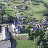 Bures-en-Bray village en Normandie vue du ciel