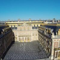 Château photographié en vue aérienne par drone