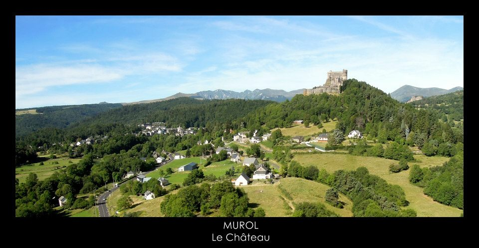 Commune de Murol, en photo aérienne par drone