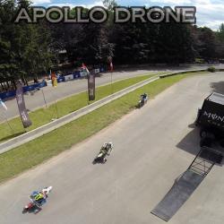 Photographie d'un événement sportif, course de motos