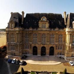 Facade mairie photographier en vue-aerienne
