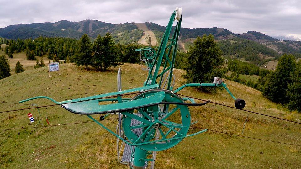Inspection aérienne des mécanismes de télésièges par drone