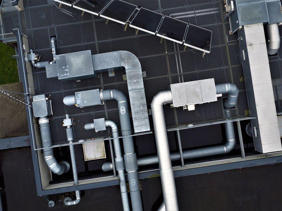 Inspection de ventilation sur toit terrasse par drone