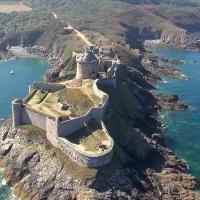 Le Fort la Latte en vue aérienne par drone
