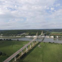 le pont de Brotonne en Normandie, photographié par un drone