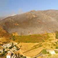 Paysage corse vue du ciel par drone après incendie