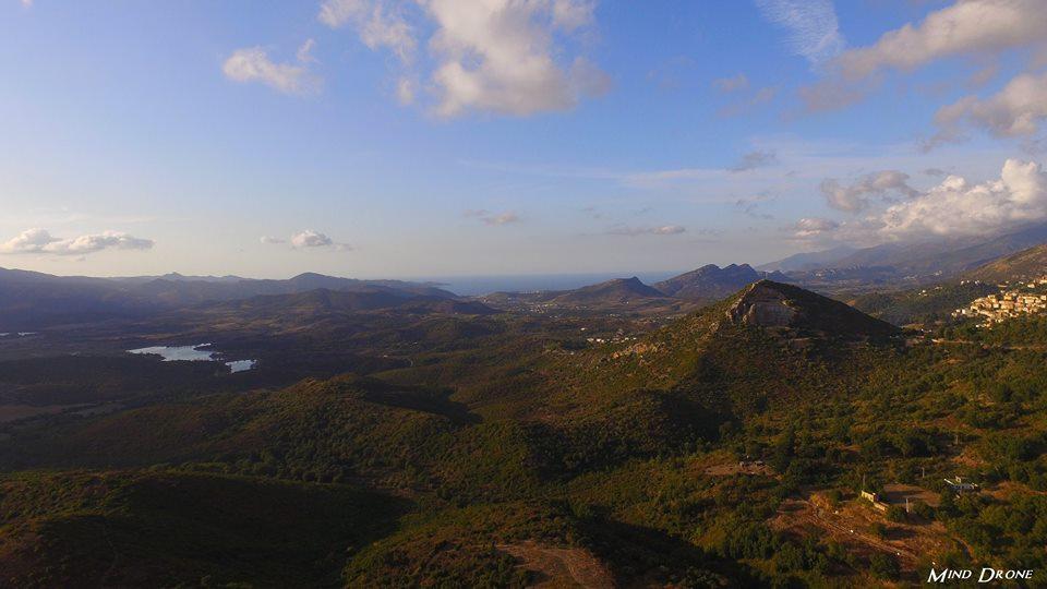 Paysage de Corse photographié par un drone