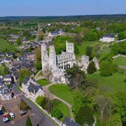Photo aérienne de l'abbaye Saint-Pierre de Jumièges en Seine-Maritime