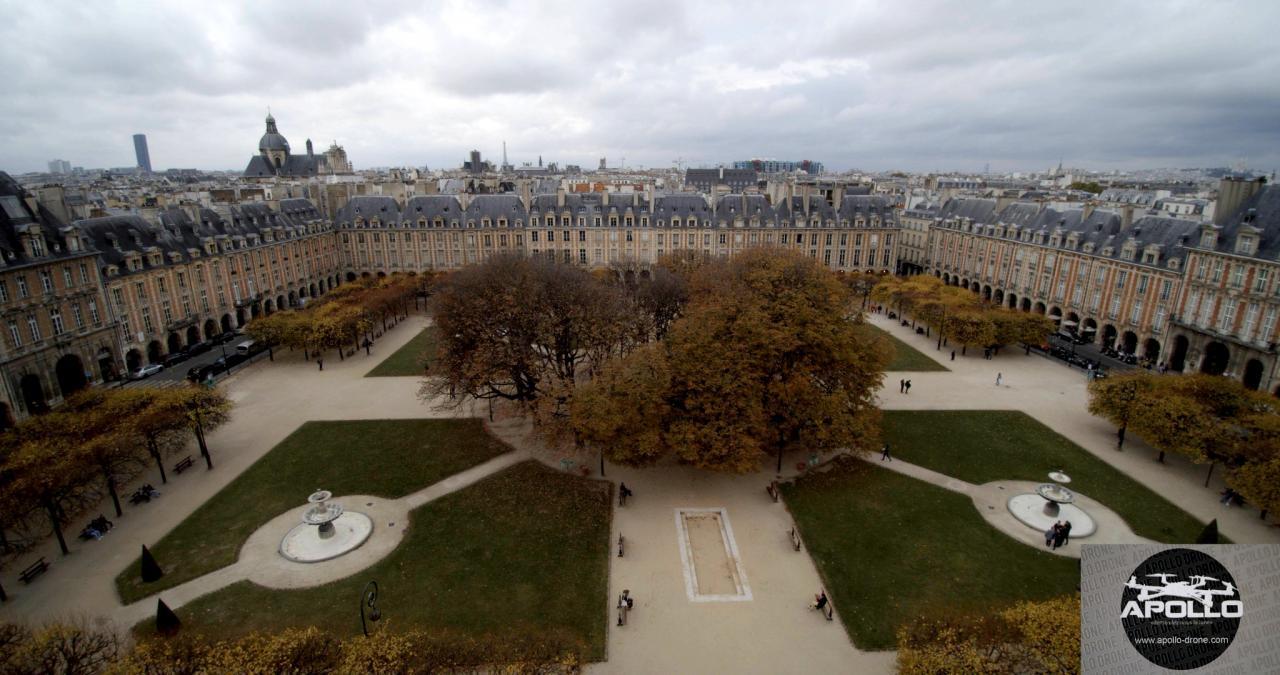 Photo aérienne de la place des Vosges à Paris