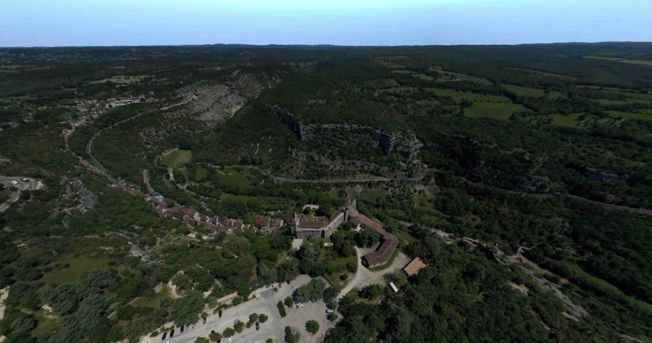 Photo aérienne de Rocamadour par drone en Occitanie