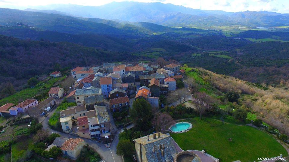 Photo aérienne du village Olmeta-di-Tuda vu du ciel Corse