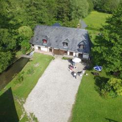 Photo aerienne d'une maison par un drone