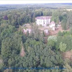 Photo par drone du château d'Harcourt en Normandie