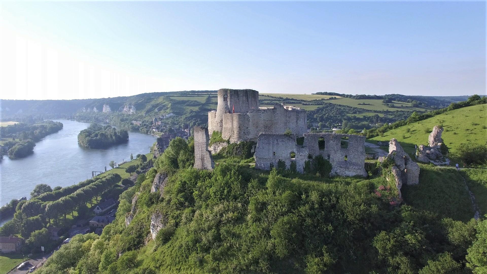 Photo par drone du château Gaillard en Normandie