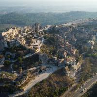 Photographie aérienne des Baux-de-Provence par drone