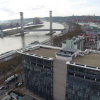 Prise de vue aérienne de la ville de Rouen par un drone