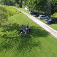 Réunion de famille photographiée d'un drone