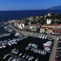 Saint-Florent en Corse vue du ciel par un drone