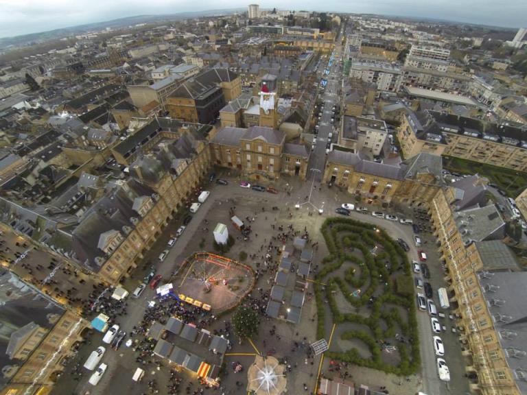 Ville de Charleville-Mézières vue du ciel par un drone