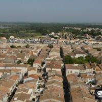 Photo en vue aérienne de la ville Aigues-Morte en Occitanie
