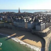 Vue aérienne de Saint-Malo photographié par un drone