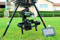 Camera fixée sous un drone pour réaliser des prises de vues aériennes