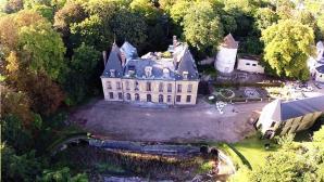 Château du patrimoine français en vue aérienne par drone
