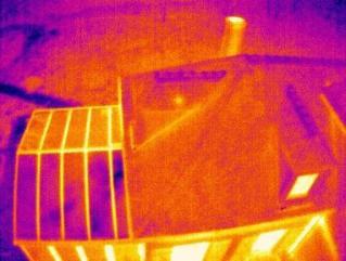 Drone et thermographie d'habitation vue du ciel