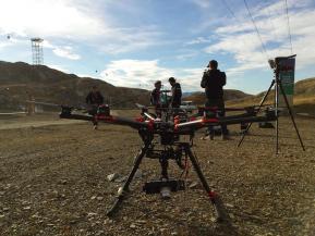 Drone pour le cinéma équipe de pilotes et cadreurs pour prise de vue aérienne