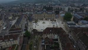 Evreux la mairie et sa place vue du ciel par drone