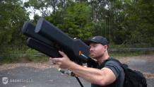 Fusil chasseur de drone sur aéroport