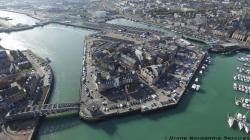 Le port d un village normand photographier du ciel par drone