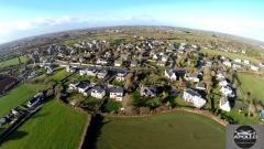 Maison et vue aérienne dans village photo de drone