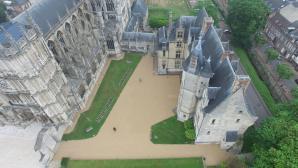 Musée et cathédrale Evreux vue du ciel par un drone