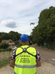 Opérateur de drone en intervention