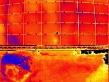 Panneaux solaire en image infrarouge par thermographie aérienne