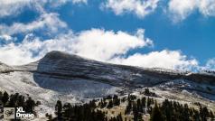 Paysage de montagne photographié par un drone