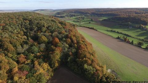 Paysage en vue aérienne de drone dans les hauts de France