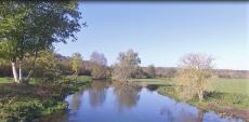 Photographie d une rivière proche Evreux par un drone