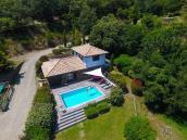 Photo aérienne d un bien immobilier par pilote de drone