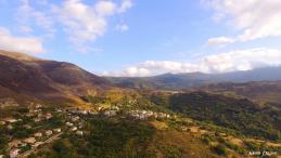 Photo aérienne d un village corse prise d un drone