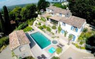 Photo aérienne d une maison photographiée par un drone pour annonce de vente