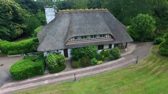 Photo aérienne de maison réalisée par un drone pour agence immobilière