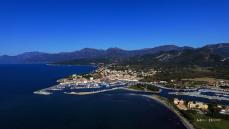 Photo aerienne de saint florent en corse par un drone