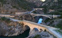 Photo aérienne du pont du diable a st Guilhem le Desert