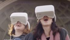 Photo casque de réalité virtuelle de vol en immersion par drone