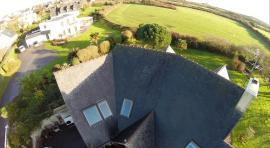 Photographie de détailles toiture maison par drone